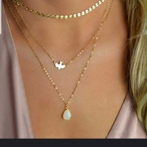 🕊Beautiful 3 layer Dove necklace in GOLD🕊